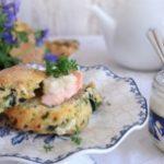 Przepis na Wielkanoc - wytrawne bułeczki z łososiem